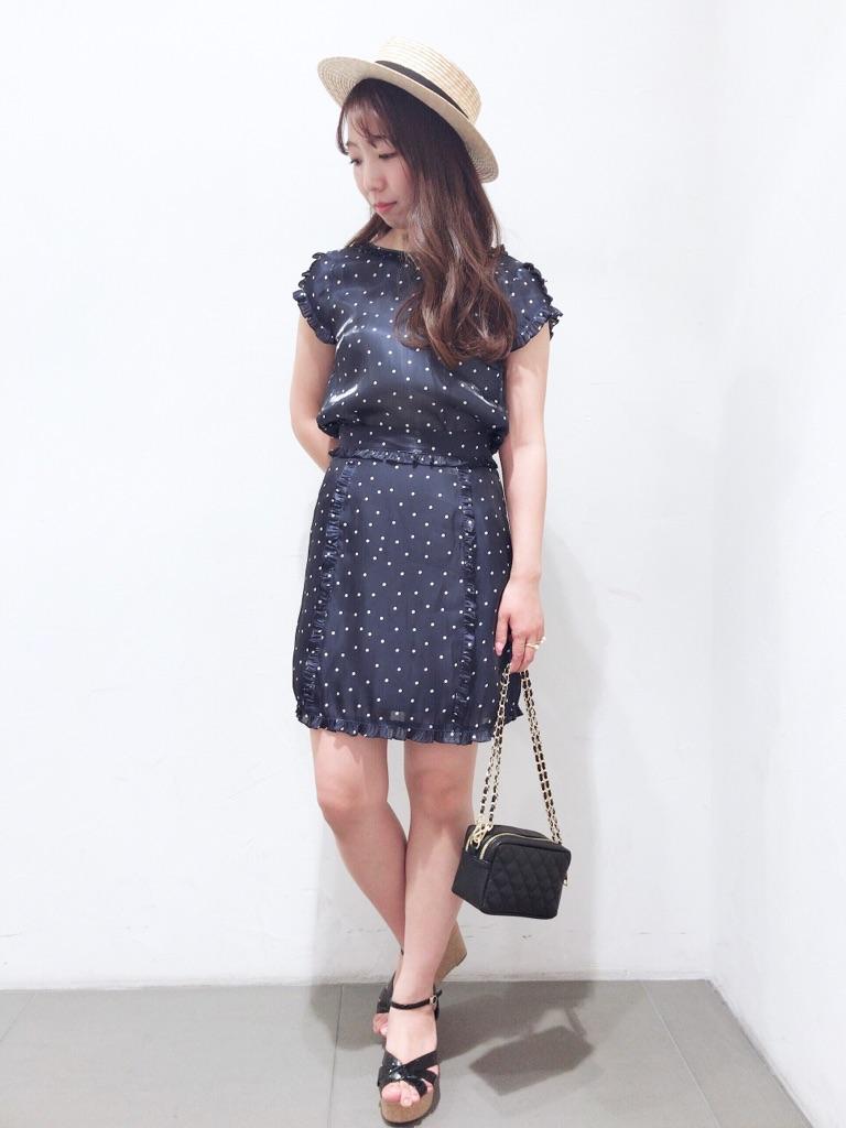 dot blouse&skirt